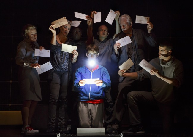 The Curious Incident of the Dog in the Night-Time - Cast